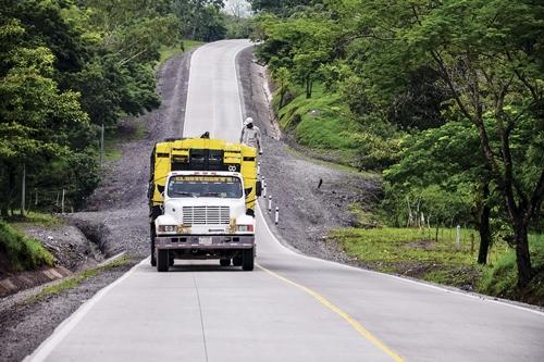 sale retailer e7037 846a5 Más en detalle, precisó que están avanzando en la construcción de una  moderna carretera hacia la subregión de El Ayote con una inversión de 1,150  millones ...